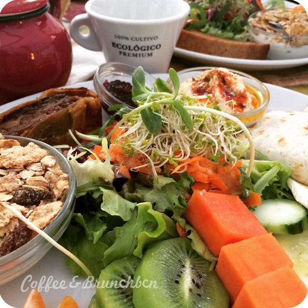 Brunch vegetariano y ecologico en Raval–Vegetalia-Plato de brunch