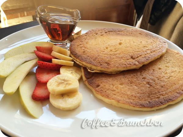 Brunch con productos de proximidad-Oma Bistro-Pancakes con fruta