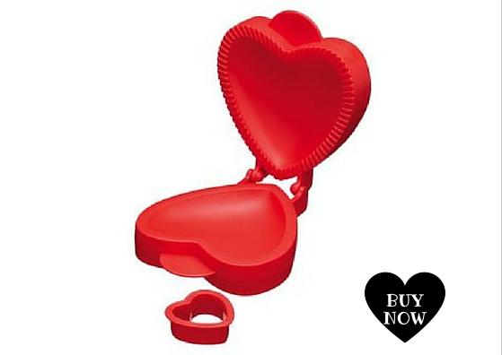 Molde para empanadas o postres rellenos en forma de corazon