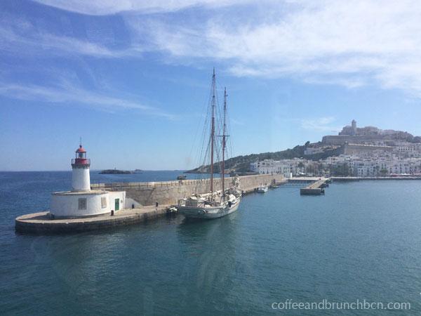 Vista de Ibiza desde el ferry