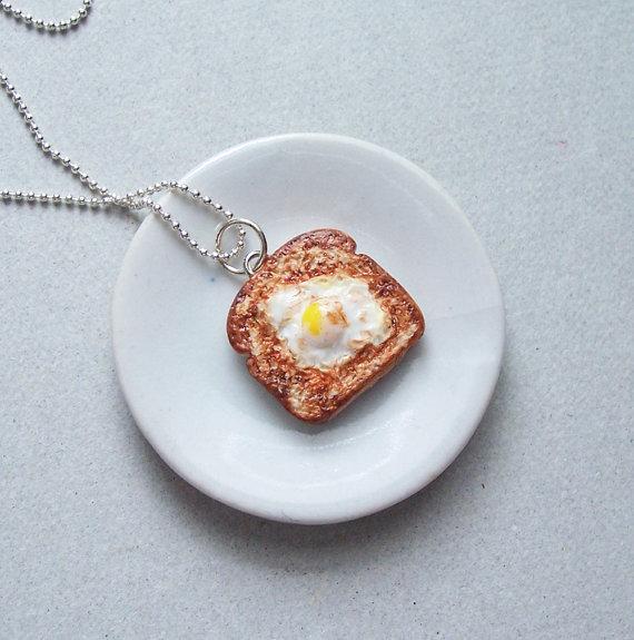 Collar tostada con huevo - Regalos brunch lovers