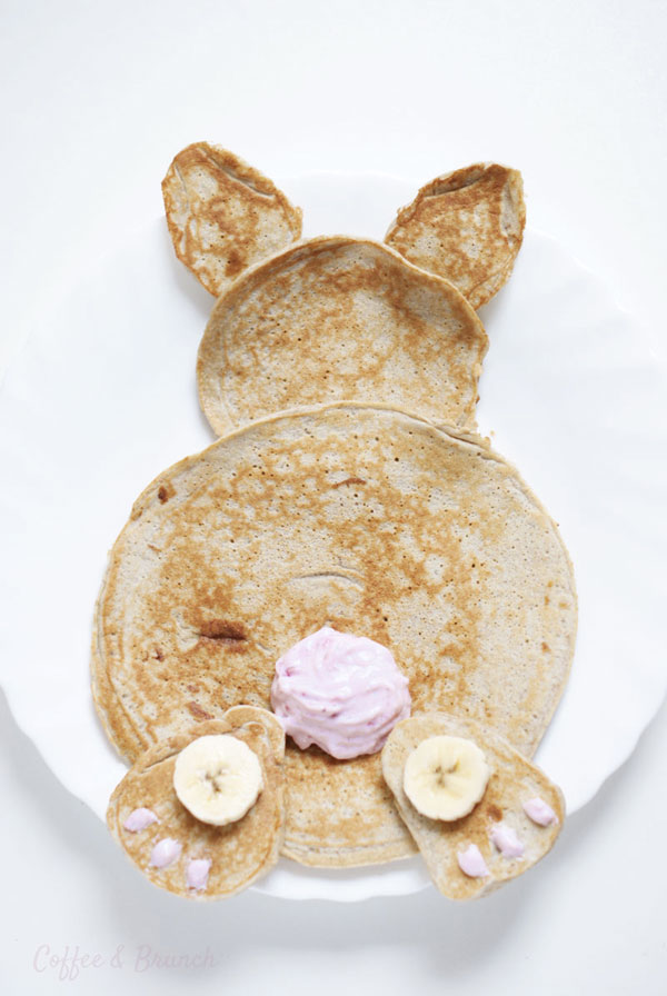 Conejo de Pascua hecho con panqueques - Receta de brunch